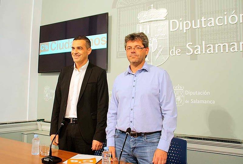 Manuel Hernández (derecha) y Jesús de San Antonio, diputados de Ciudadanos.