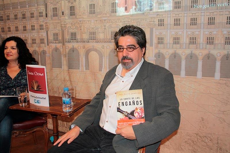 Luis García Jambrina presenta su último libro, 'La corte de los engaños'.