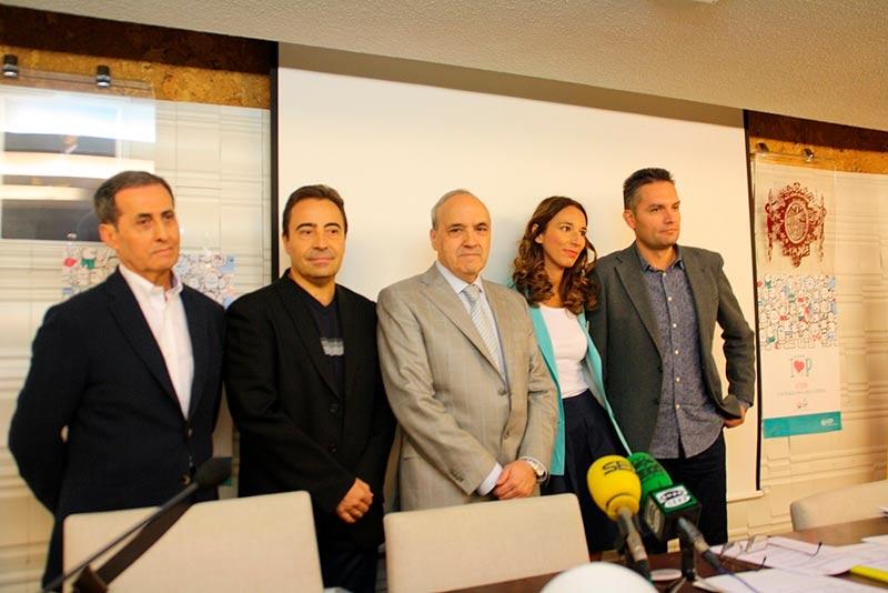 De izq a drcha: José Santos, Pedro Gómez, Fernando Malmierca, Cristina Díez y Rubén García, en el Colegio de Médicos.