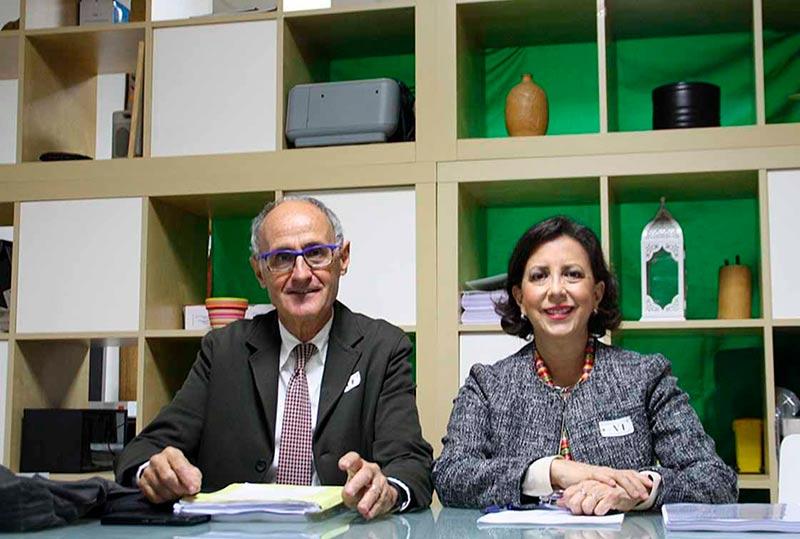 María del Carmen Reparaz y su abogado, este viernes en Salamanca.