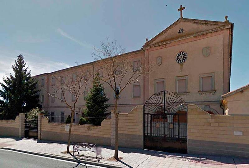 El convento de las Bernardas, de la orden cisterciense, en el Camino de las Aguas.