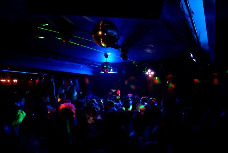 noche-fiesta-discoteca-kandhavia-8
