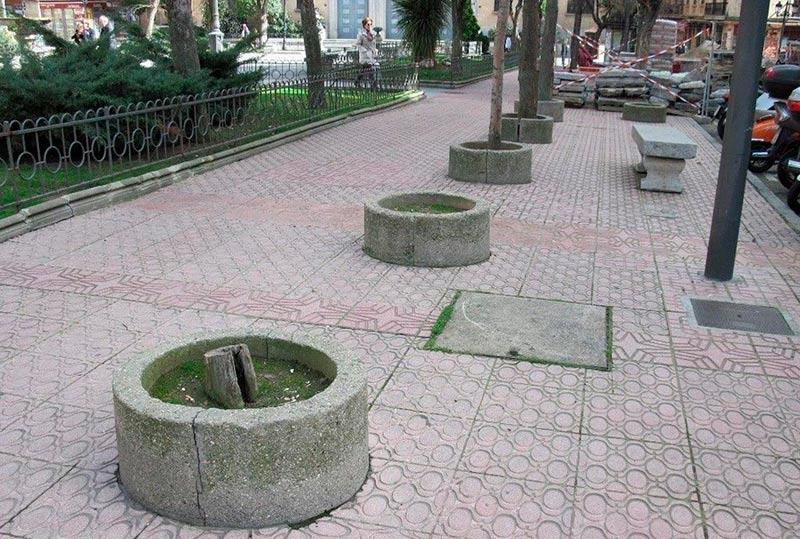 Árboles 'ausentes' en la plaza de Los Bandos
