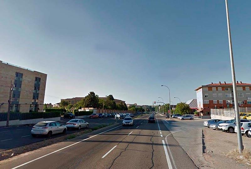 El hotel a la izquierda y a la derecha, las instalaciones de Correos en Agustinos Recoletos.