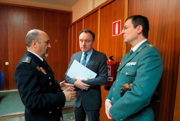 policia nacional guardia civil comisario y te coronel y antonio andres laso