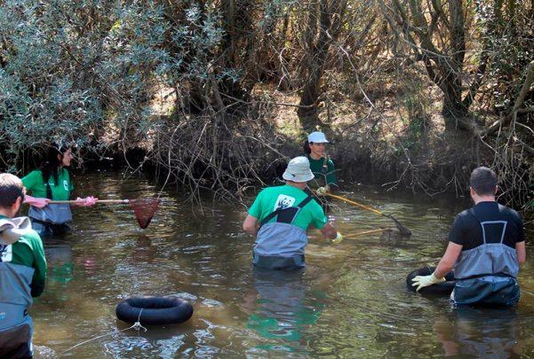 mina uranio berkeley Trabajos en el río Yeltes para realizar el estudio.