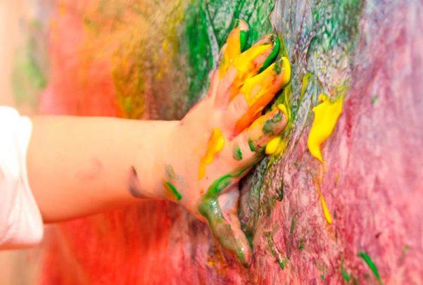 pintura dedos niños