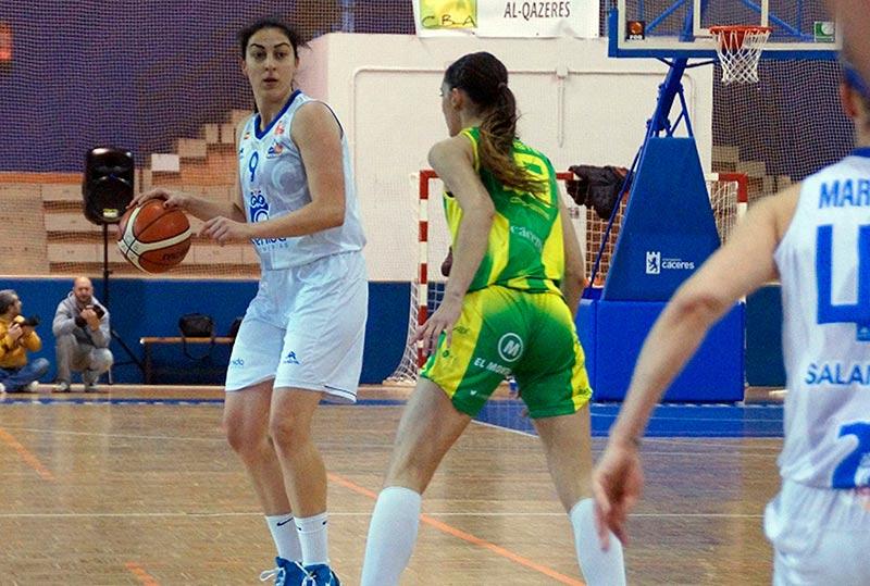 Un lance del partido disputado en Cáceres.
