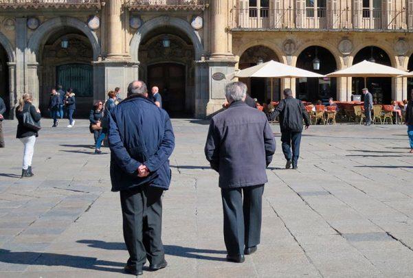 gente mayores demografia vejez ancianos