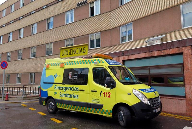 hospital clinico urgencias ambulancia