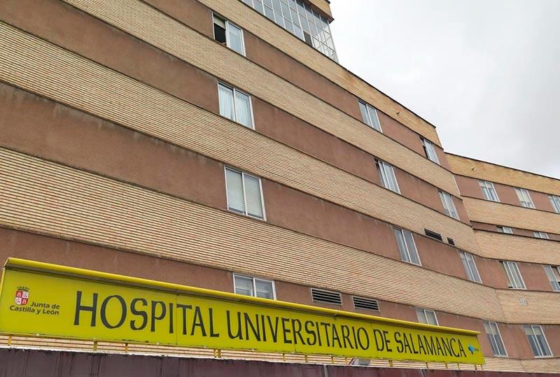 Parte de la fachada del hospital Clínico.