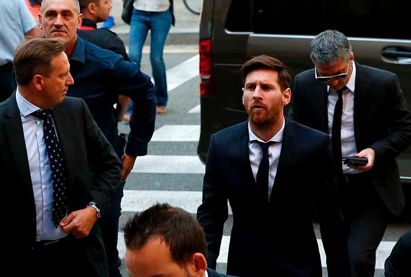 Messi llega al juzgado.