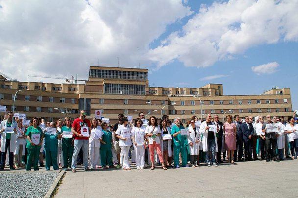 protesta por las agresiones hospital2