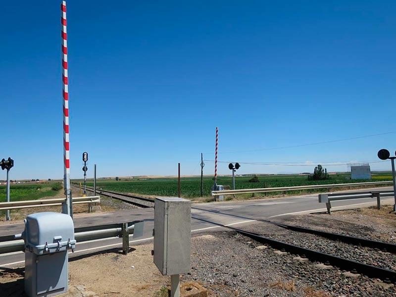 paso a nivel babilafuente renfe tren ferrocarril 2