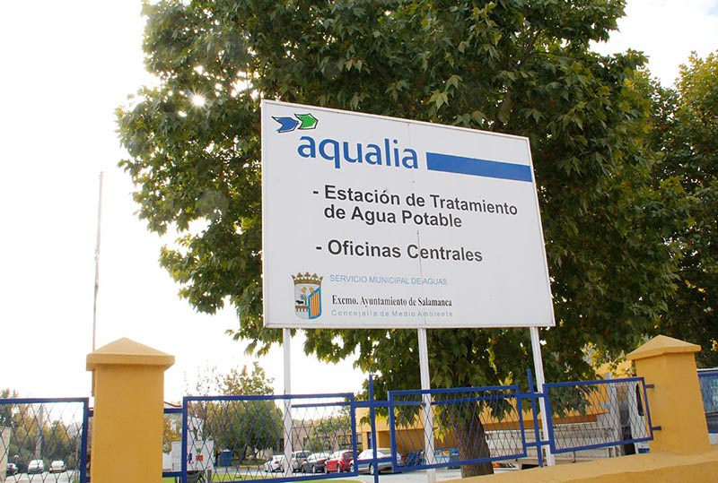 cartel aqualia centro tratamiento potabilizadora