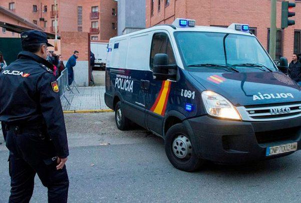 arandina furgon lleva a prision a los tres futbolistas