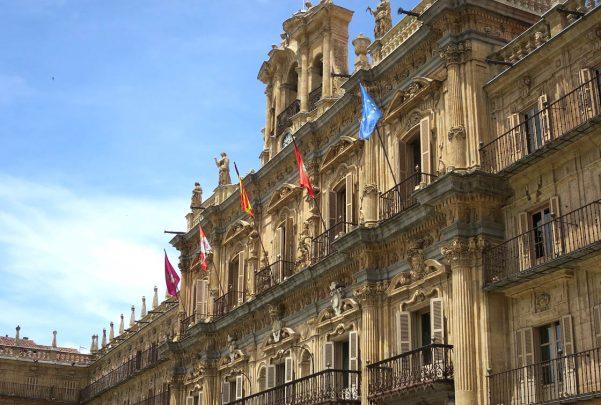 plaza mayor fachada ayuntamiento