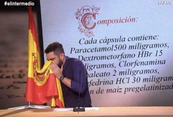 Dani Mateo se sentará ante el juez como imputado tras sonarse la nariz con la bandera de España