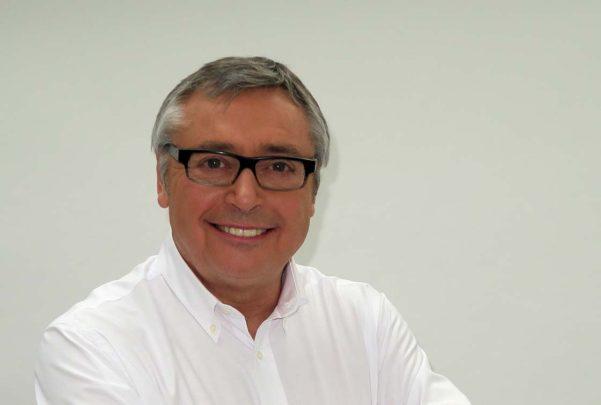 Michael Robinson confiesa que padece cáncer con metástasis en estado avanzado