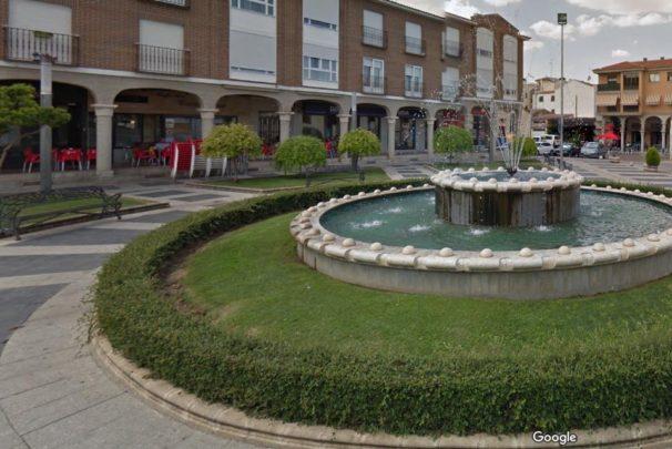 Plaza de la constitución de Carbajosa de la Sagrada.