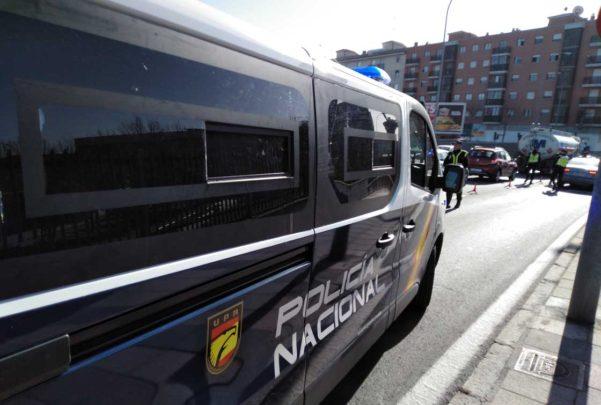 policia nacional puente calle rio miño sobre vias tren control (3)