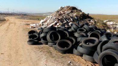 vertedero ilegal escombros neumaticos