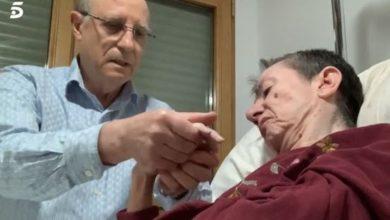 eutanasia ángel coge la mano de maria jose su mujer