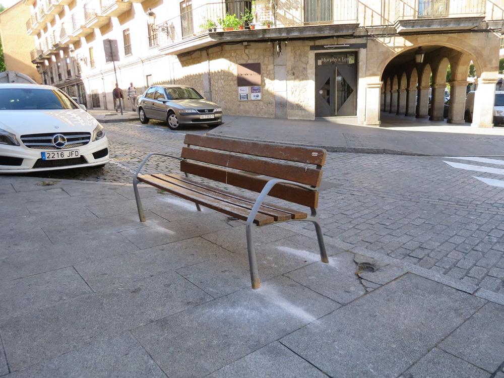 Bancos viejos en Marquesa de Almarza., Salamanca