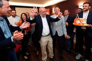 Francisco Igea celebrando el resultado electoral