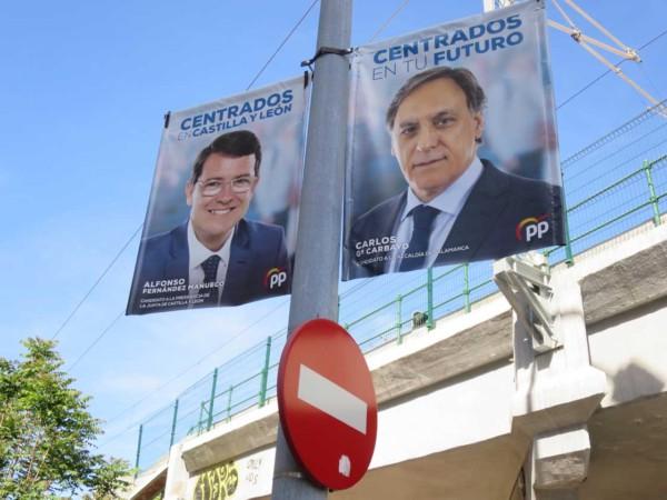 pp elecciones cartel mañueco carbayo prohibido