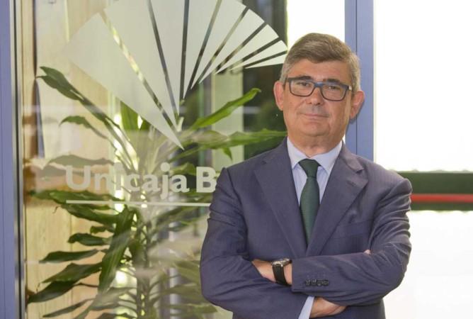 Angel Rodríguez de Gracia (Unicaja Banco) 2