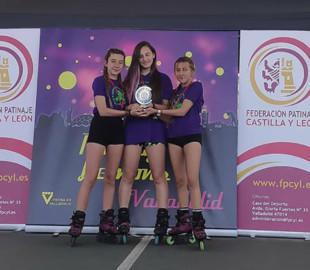 Las salmantinas, , Carla y Paula Paredero, las mejor en la modalidad de freestyle slalom de Castilla y León.