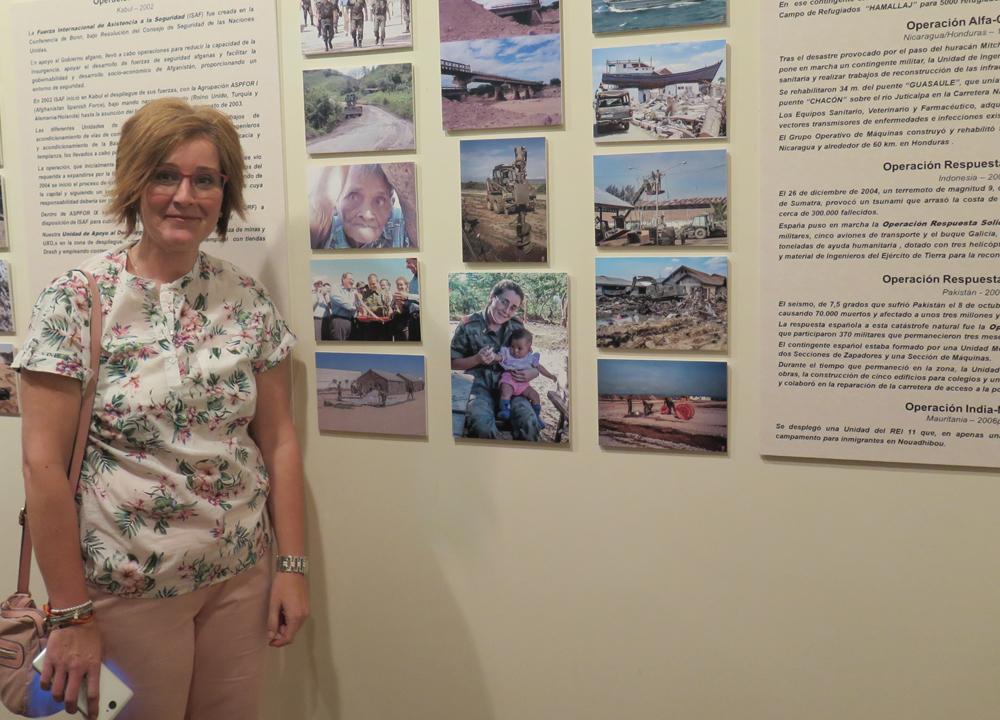 Muestra de fotografías de militares en el casino de Salamanca