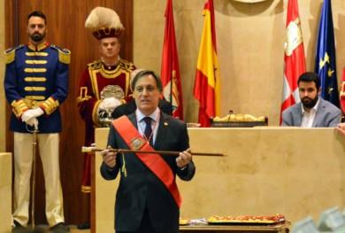 ayuntamiento toma posesion carbayo (1)
