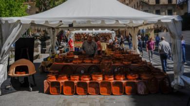 Feria de Alfarería en la Plaza de los Bandos, Salamanca