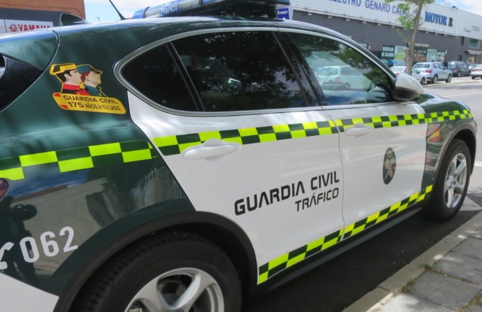 guardia civil trafico coche 2