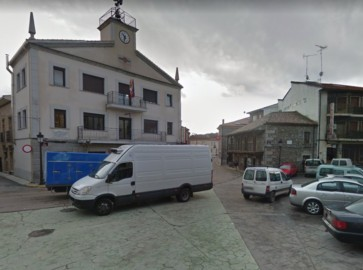 linares riofrio ayuntamiento plaza españa