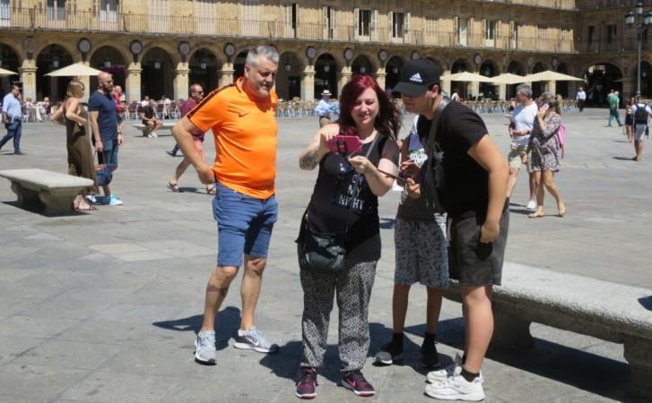 turistas turismo en plaza mayor julio 19