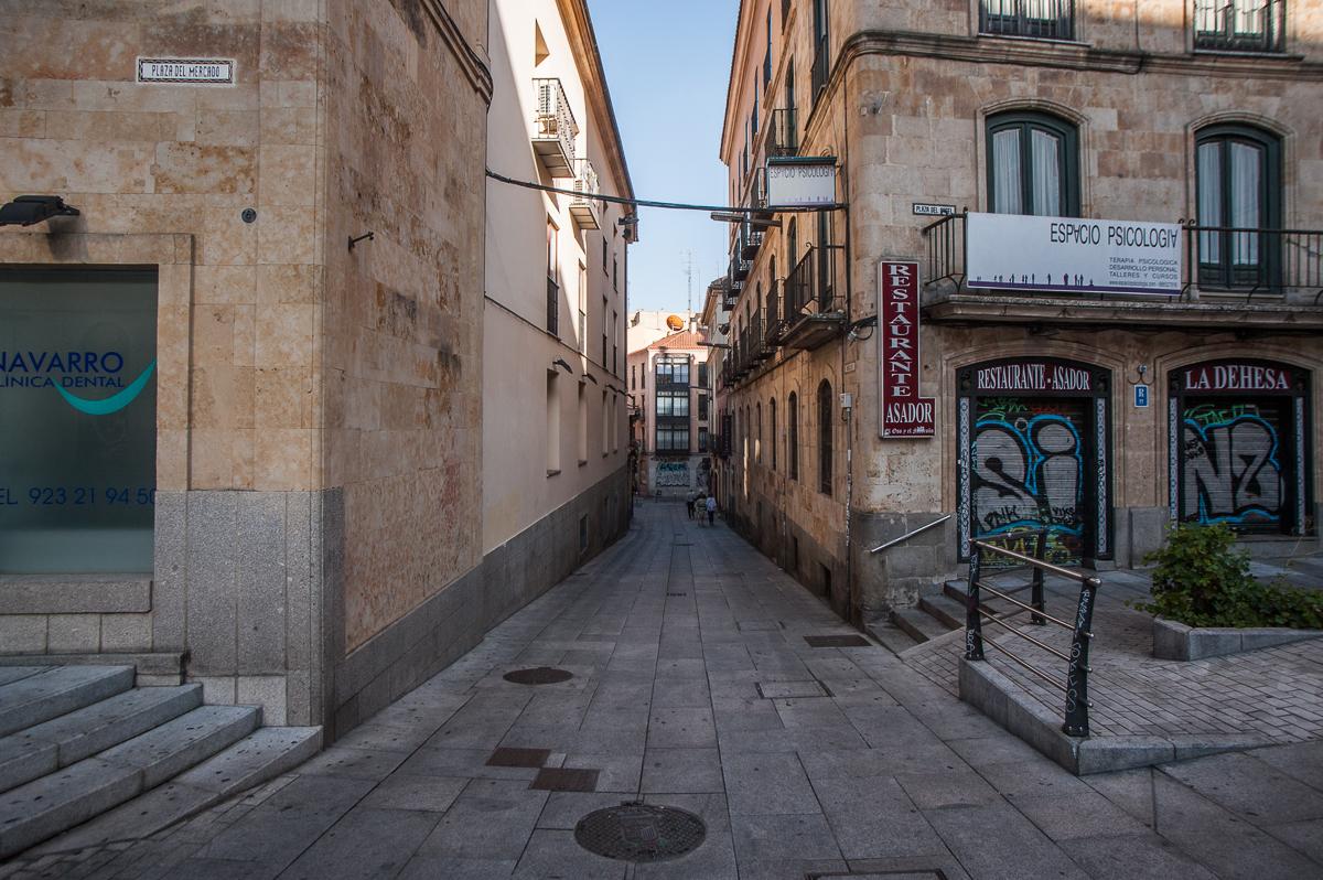 La calle Varillas desde la plaza del Ángel. Salamanca