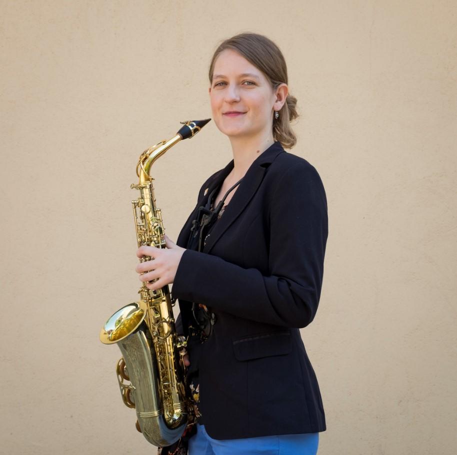 ical ines sanchez saxofonista (1)