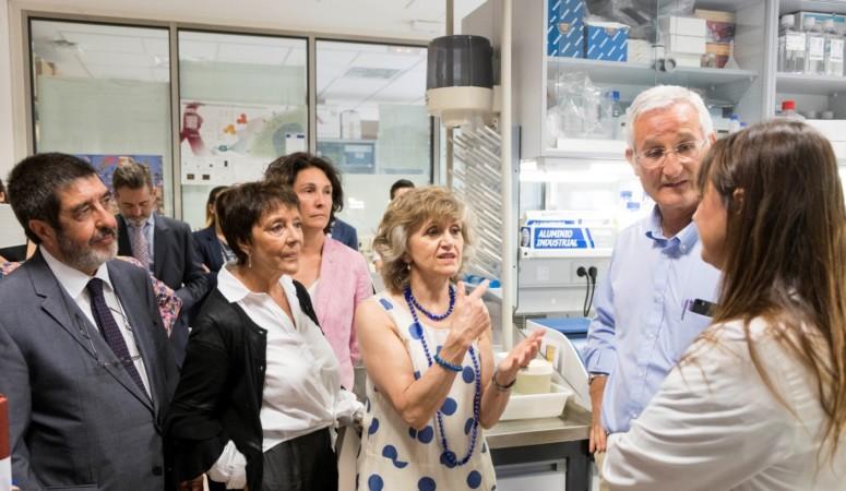 arranz ical ministra sanidad casrcedo centro cnacer eugenios antos