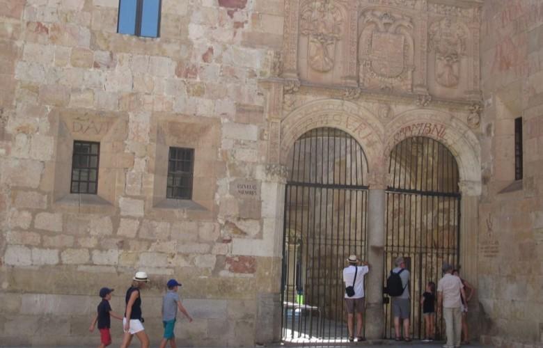 turistas escuelas menores usal