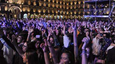 DJ Nano hizo que la Plaza Mayor de Salamanca bailar con su música.