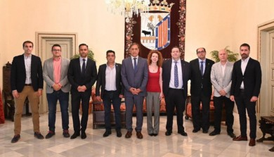 Miembros del equipo de Gobierno y de la Confederación de Empresarios de Salamanca.