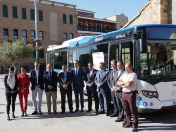 Inauguración servicio transporte en Carbajosa.