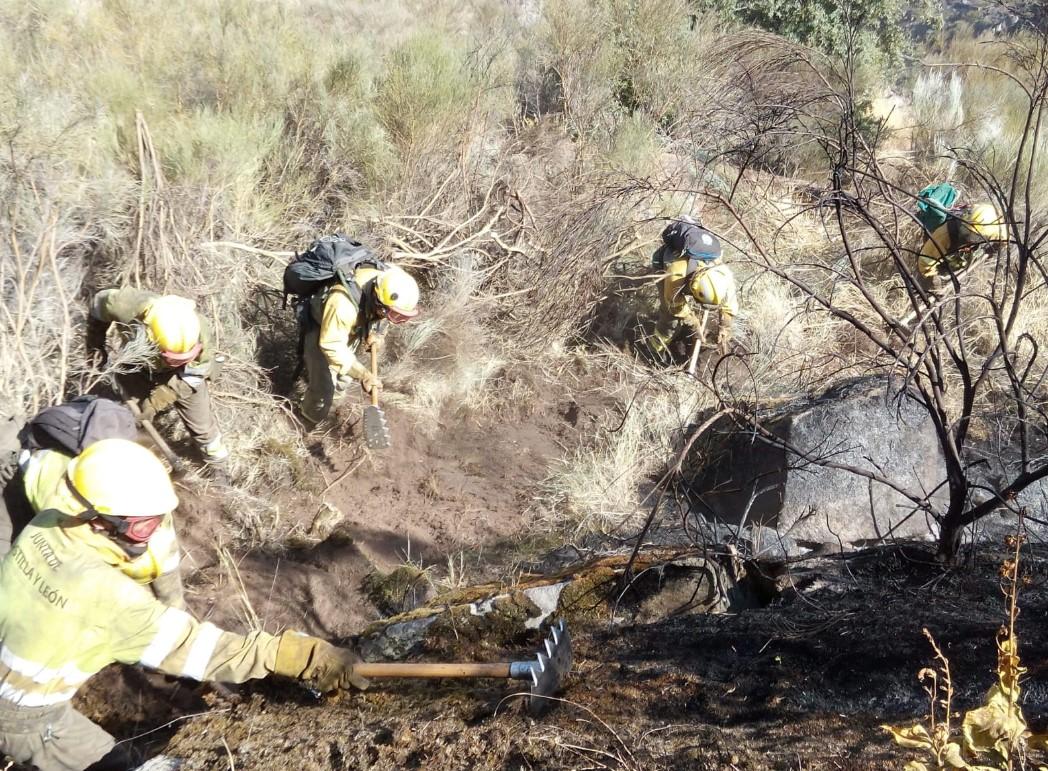 incendio hinojosa bomberos forestales 2 AT Brif