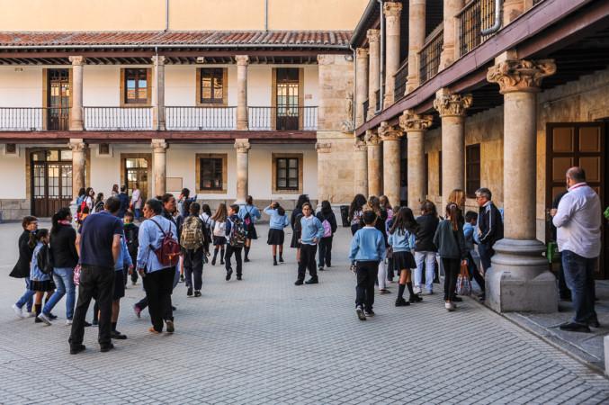 Vuelta al cole para los alumnos de las Siervas de San Jose. Salamanca