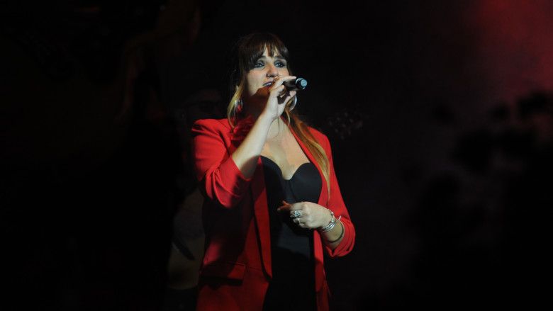 Rozalén, en el concierto de la Plaza Mayor de Salamanca