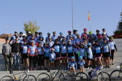 Decenas de mujeres ciclistas han participado en el encuentro Women in Bike organizado en Carbajosa.