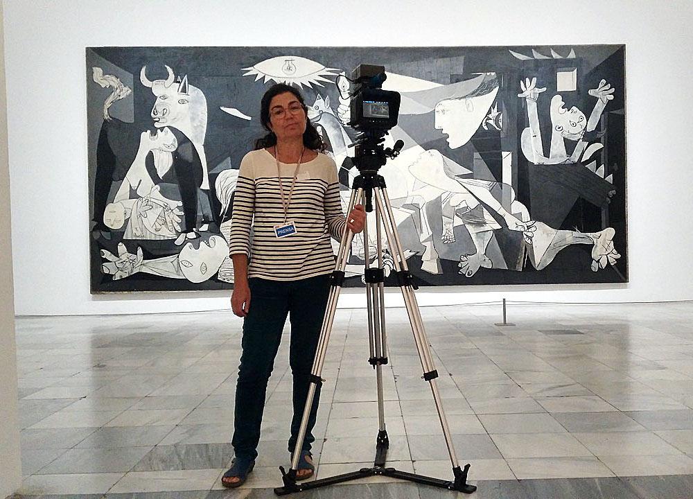 ICAL La cineasta segoviana Lidia Martín Merino, en el rodaje de 'Agapito Marazuela, la estatua partida', que participa en la sección Castilla y León en Largo, en la 64 Seminci